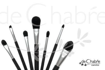 Inscrição nº 272 do Concurso para Logo Design for deChabre Cosmetics