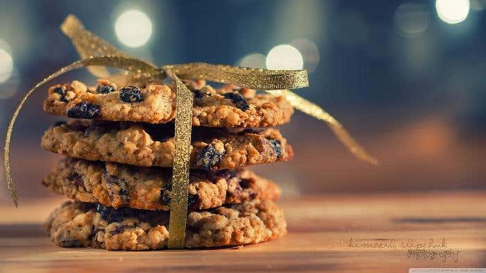 cookies_gift-wallpaper-1366x768