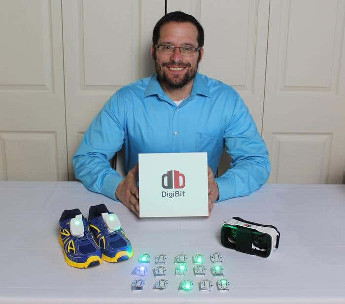After Daughter's LED Sneakers Fail, Father Builds VR System for Kids - Image 1